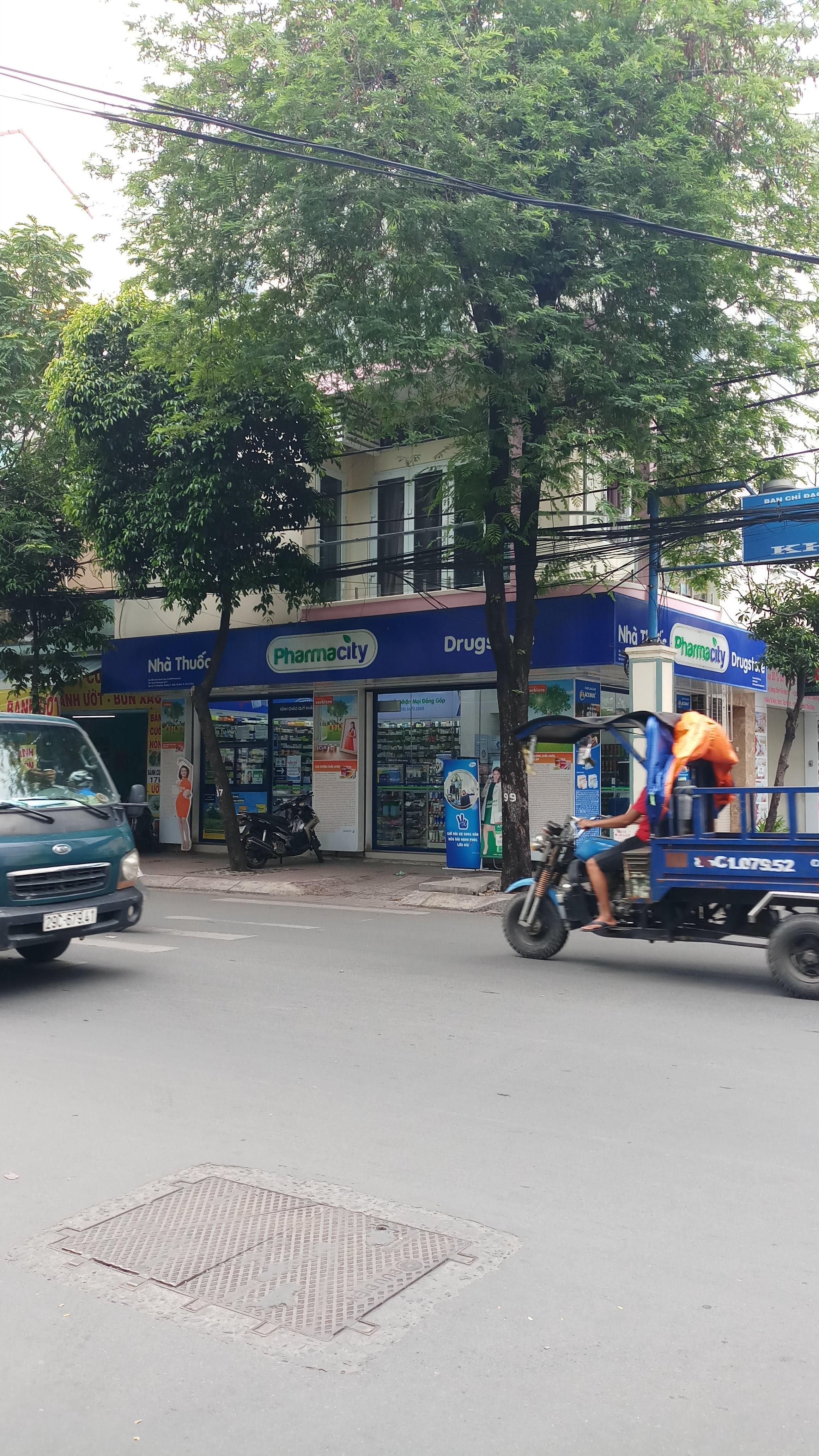 Cho thuê góc 2 mặt tiền Đồng Đen, P.14, Tân Bình; 25 x 14m, vị trí rất đẹp
