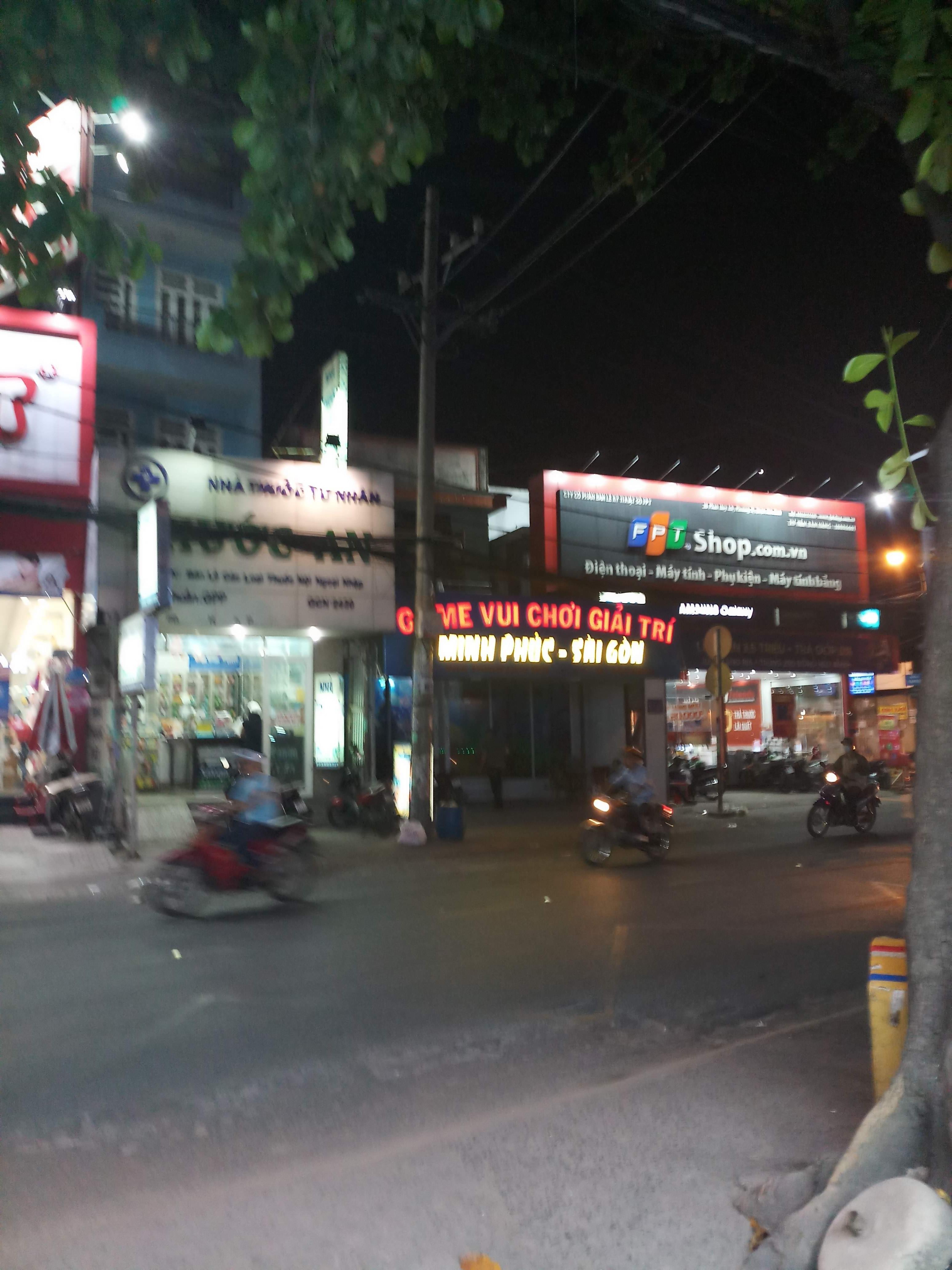 Cho thuê nhà Mặt tiền Nguyễn Hồng Đào; 9 x 14m, 2 lầu, nhà mới, giá tốt chỉ 60tr/tháng